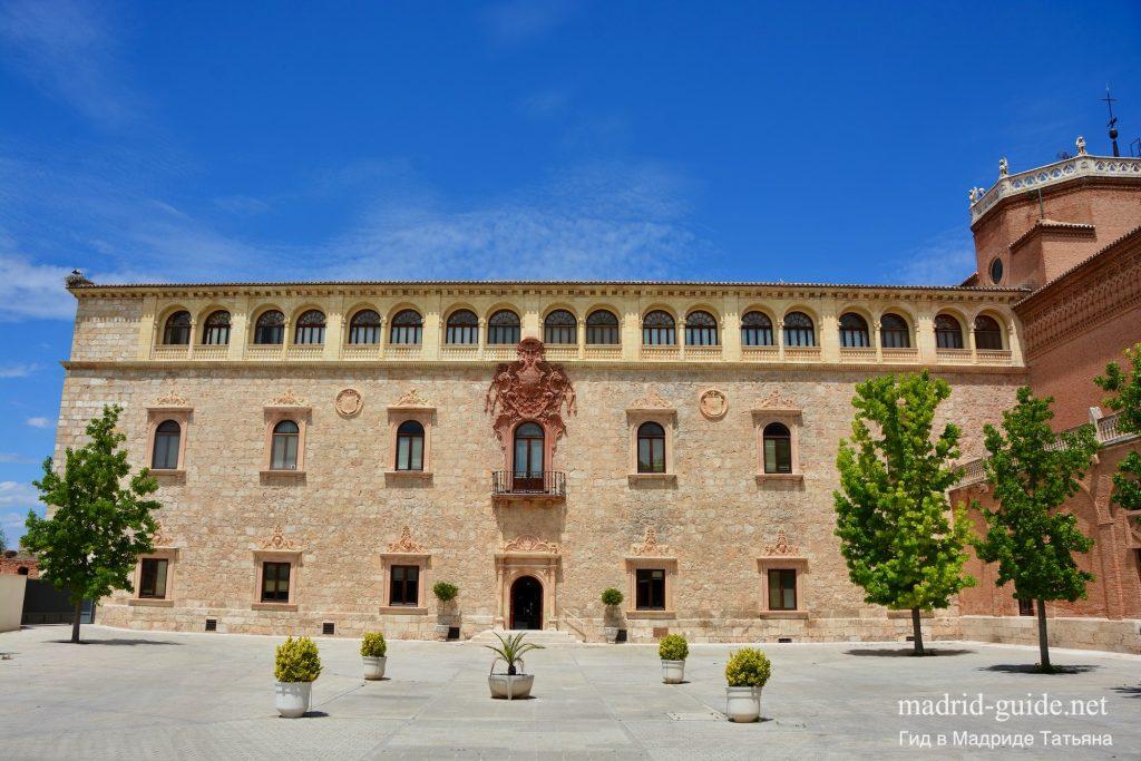 Экскурсия в Алькала-де-Энарес - Архиепископский дворец