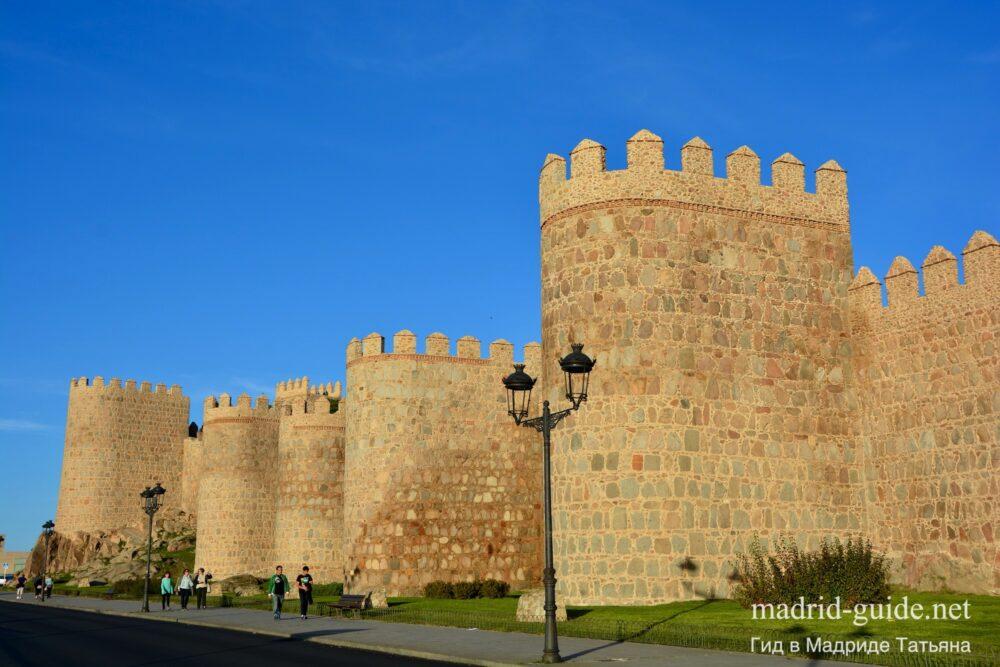 Экскурсия в Авилу - крепостная стена