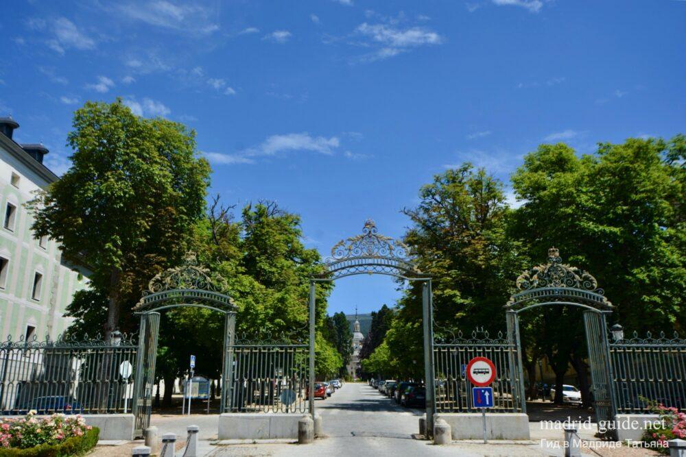 Главные ворота Ла-Гранха-де-Сан-Ильдефонсо