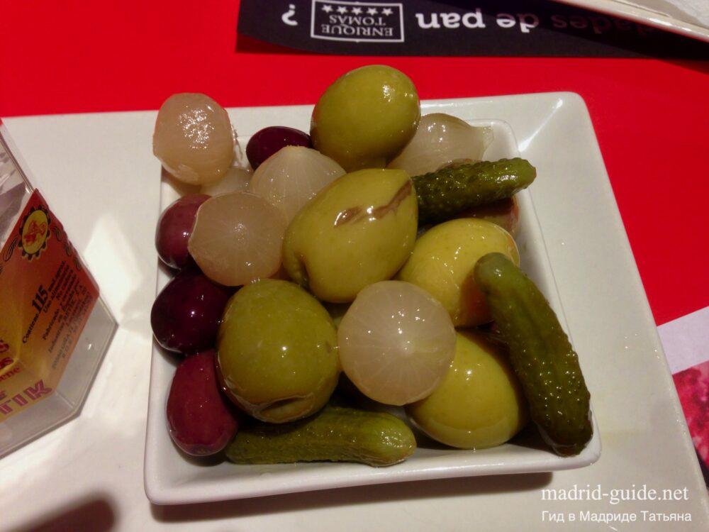 Тапас в Мадриде - оливки